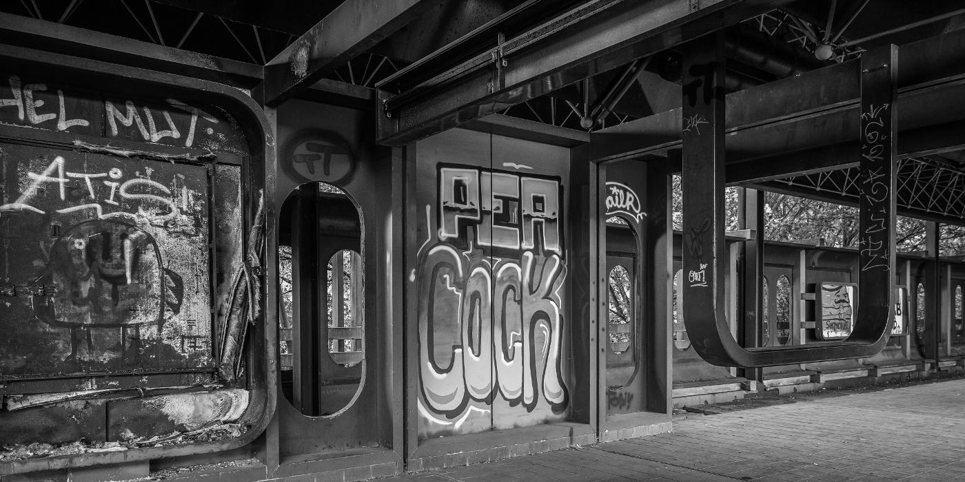 Charleroi , stillegelegte Metrostation #01