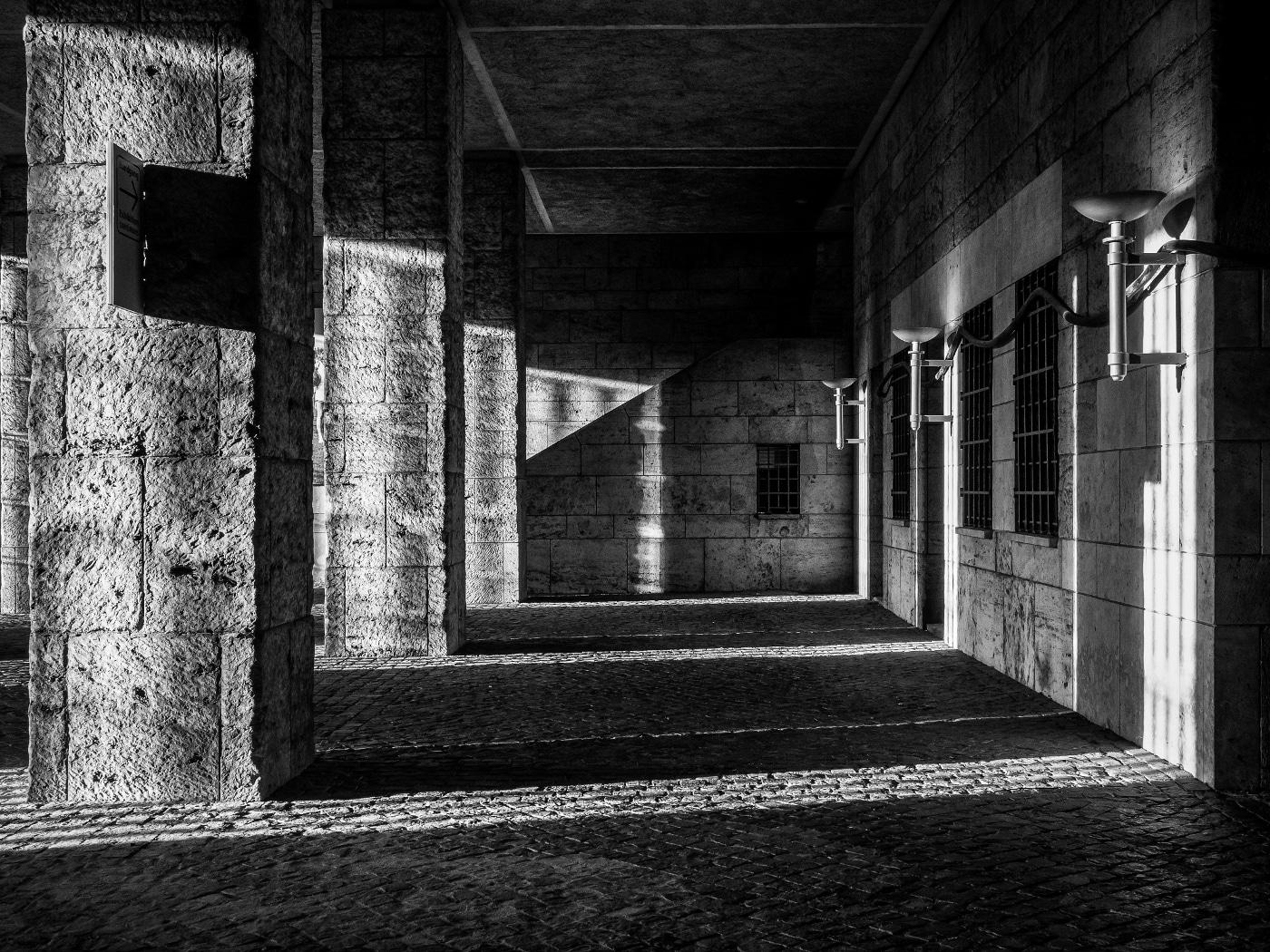 Schattenspiele im Olympia-Glockenturm # 02 | © wolfgang röser
